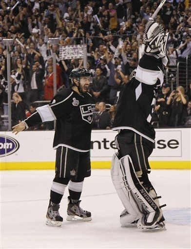 sportspage:  The Los Angeles Kings have won the first Stanley Cup in franchise history, defeating the New Jersey Devils 6-1 in Game 6. (AP Photo/Julie Jacobson)
