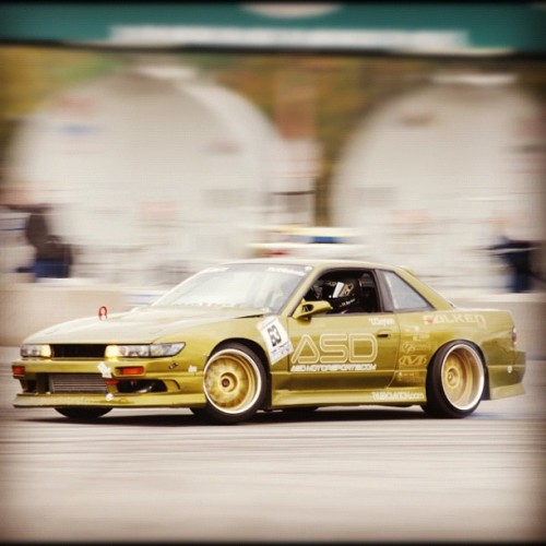 slambucket:  @_revel_ doing work in the old livery. #throwback #nissan #240sx #drift (Taken with Instagram)