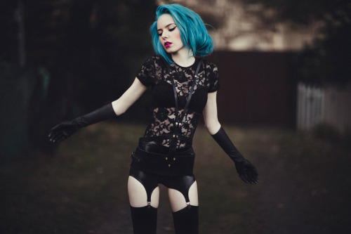 windingdownhour:  photography: julia trotti model: madeline rae mason makeup: megan vaughan stylist: jessie mcnaught for black milk clothing.
