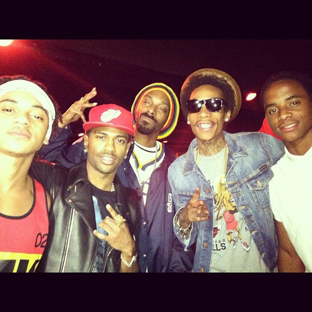 After tha movie wit @garagebandking @bigseangood @mistercap n @cbroadus #macanddevin  (Taken with Instagram)
