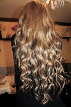 longhairandskinnytights:  Please, give me this