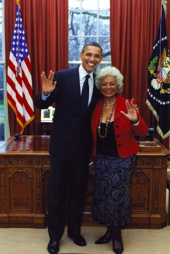 see-air-ah:  Obama and Nichelle Nichols. Nice. VOTE OBAMA!
