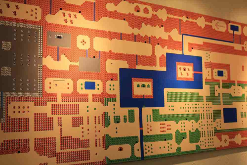 hyrulechozo:  robmiles:  Giant nes zelda map wall hanging. Epic.  Want.