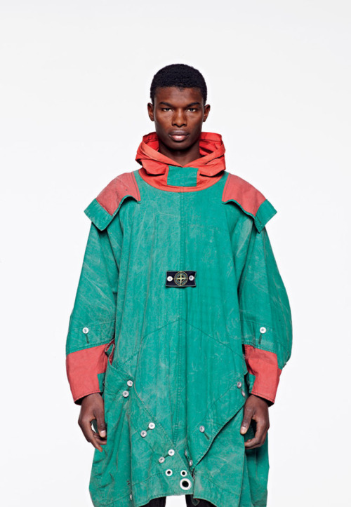 i-donline:  Pitti Summer 2012: A Beginner's Guide Stone Island celebrates the big 3-0, Peter Pilotto take futuristic fashions to the birthplace of the Renaissance and all eyes are fixed on Carven…  T-Minus 7 days! Let the countdown commence. More here. i-Donline.com