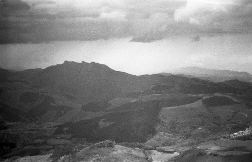 Clouds over Pays Basque III Olympus OM1n / Zuiko 35mm f2.8 / Fomapan 400