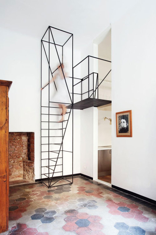 (vía Staring At The Stair. | yellowtrace blog »)