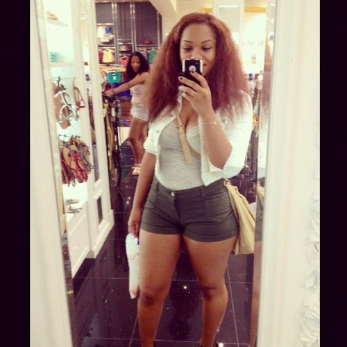 ethniccandies:  blackchinee:  @ishachinsei • twitter (Taken with Instagram)