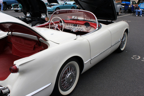 Lovely as a Dove Starting the day off right with this '54 Corvette C1 in the classic white body, white wall tires, and red interior. It's a thing of beauty to see a C1 in a sea of mid-50s Bel Airs.