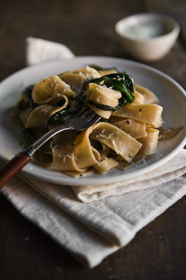 lylaandblu:  Eating Brooklyn: Wheat Pappardelle with Wild Ramps Leaves and Pecorino Romano