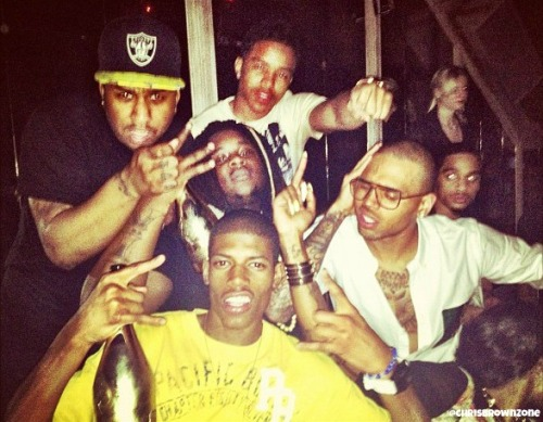 CB with his crew in Avenue NY.