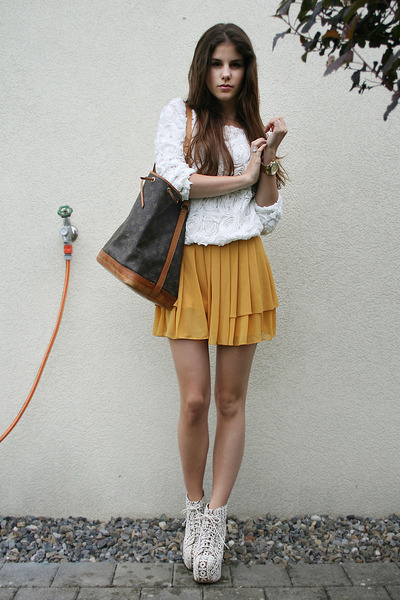 bassecouture:  MODERN SNOW WHITE - via chictopia