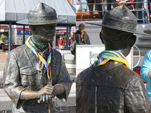 Baden Powell's knitted scarf by slideshow bob on Flickr.they look so good!