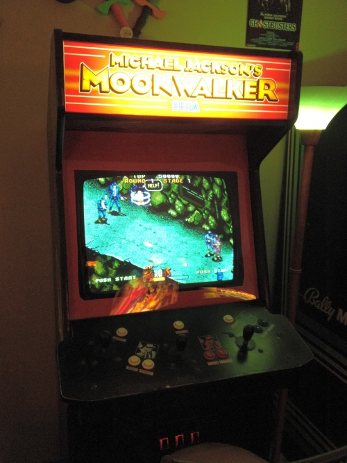 Moonwalker arcade machine by [echoman]