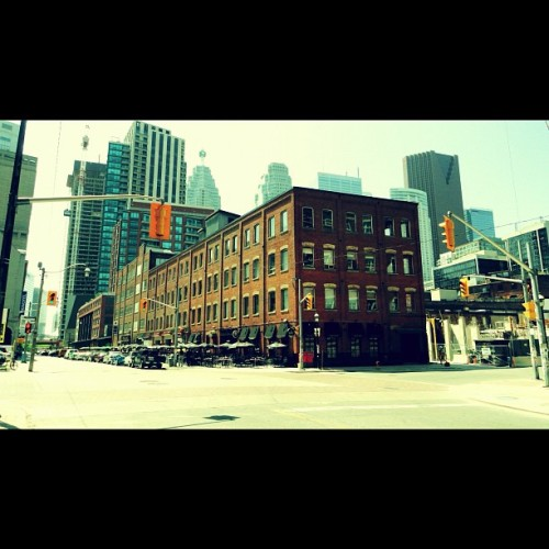 #toronto #city #torontocity #to #vintage #old #building #architecture  (Taken with Instagram)