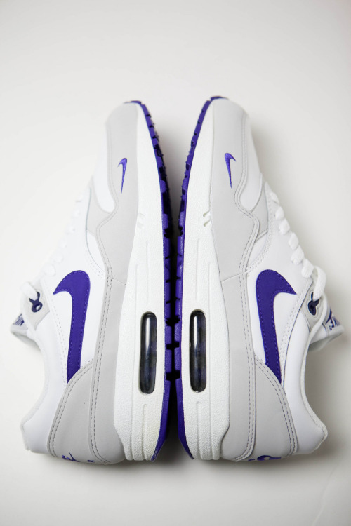 leimailemaow:  mini swoosh grape beasts <3