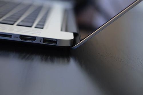 theminimalisto:  New MacBook Pro.