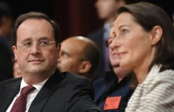 "Ségolène Royal gets tweet-slapped by Hollande's girlfriend Hollande was Royal's unmarried partner for decades and is the father of her four children. He stood at her side during her 2007 failed presidential bid even though he had been in a relationship with Trierweiler since 2005. Reports of rivalry between the two women led to speculation, which Trierweiler denies, that the current first lady had Royal airbrushed out of a film screened to Socialist faithful at Hollande's January campaign launch. Hollande, who is not married to Trierweiler, has publicly thrown his weight behind Royal, writing that she is ""the only candidate of the presidential majority who can be assured of my support""."