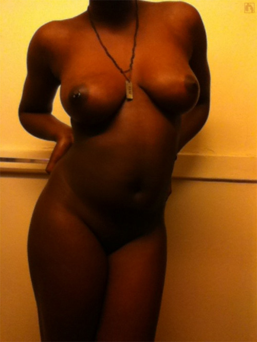 allabouttheass:  Gorgeous sub @lemmeseeunaked:  Submitted by: slagslovesexperience