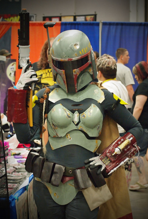 tiefighters:  Female Fett Cosplay  Albuquerque Comic Expo 2012 - Gallery here Image by Sal Galindo