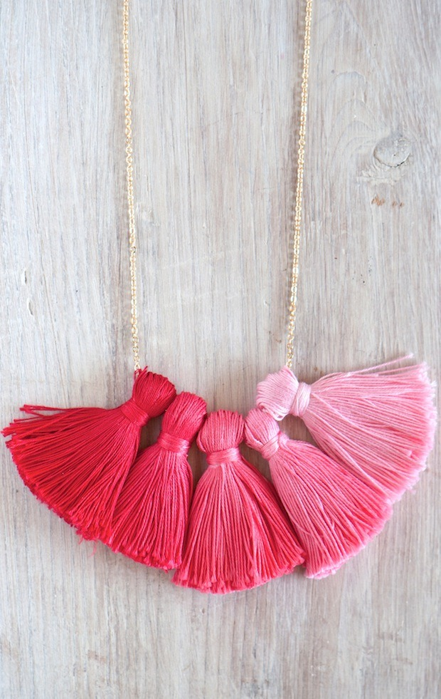 DIY Ombre Tassel Necklace - Interesting idea!