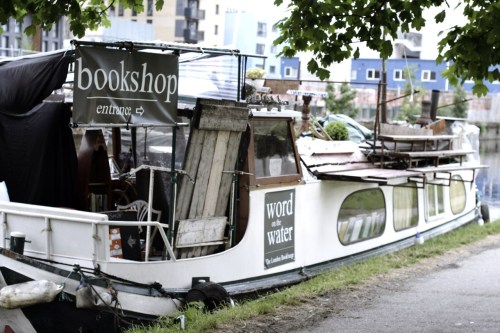 precognitivelens:  the bookshop boat - strangest bookshop i've ever come across.