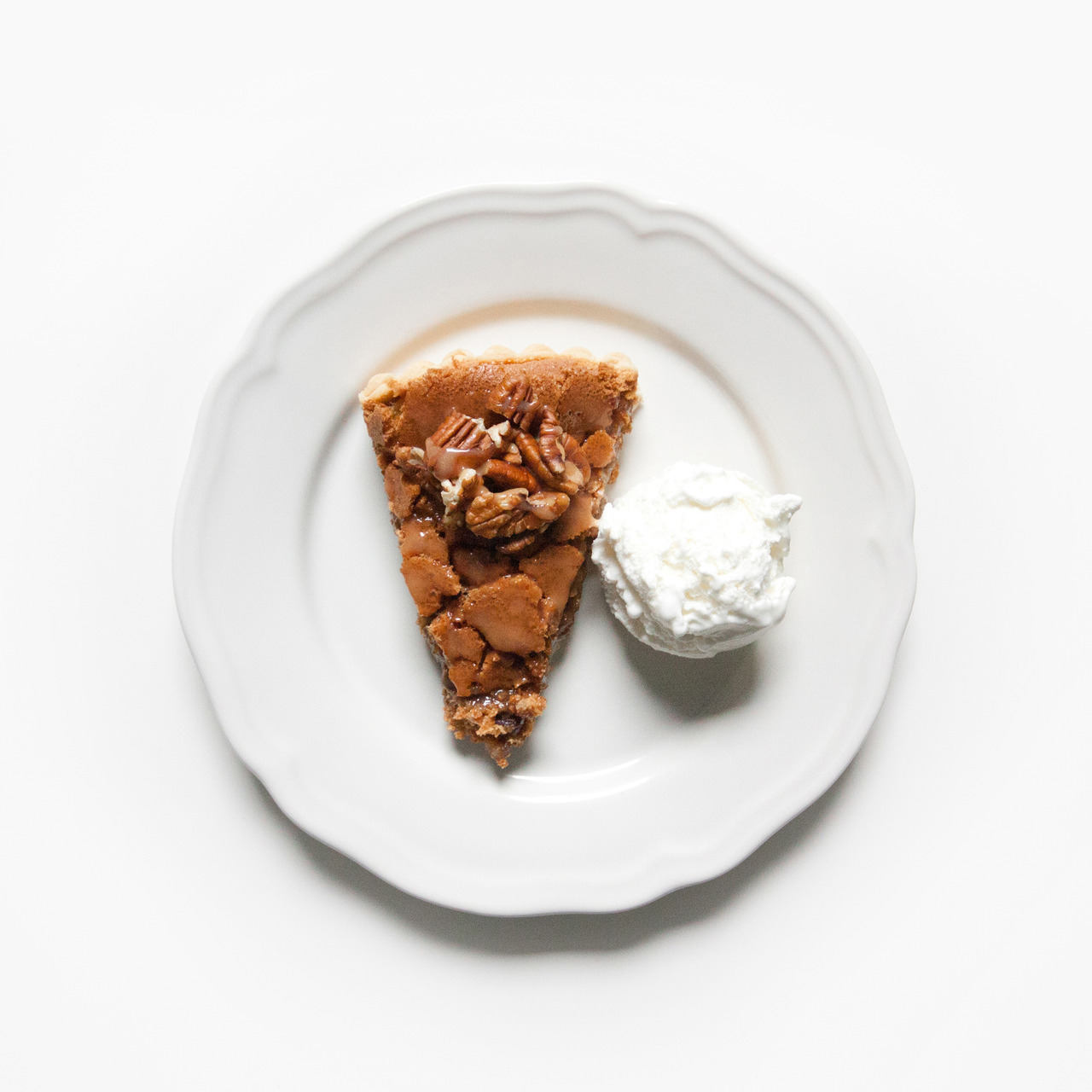 frenchcuisse:  PECAN PIE.  I want this. Now.