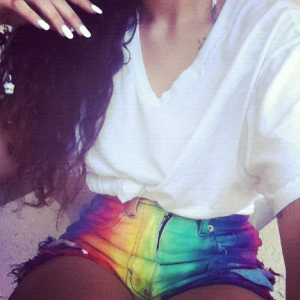 vivalafashi0n:  Her shorts are everything!!!!