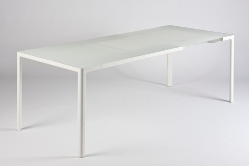 Zoom Table by Piero Lissoni