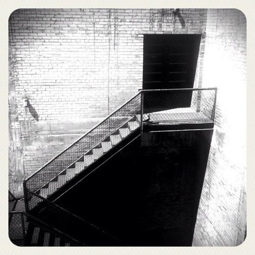 #stairs #bricks #slc #saltlake #saltlakecity #utah #door #rooftop #iphone #black #white #blackwhite #leme #downtown (Taken with Instagram at Capitol Theatre)