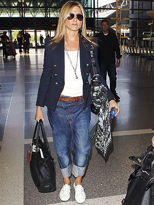 Jennifer Aniston in drop crotch jeans- u like?