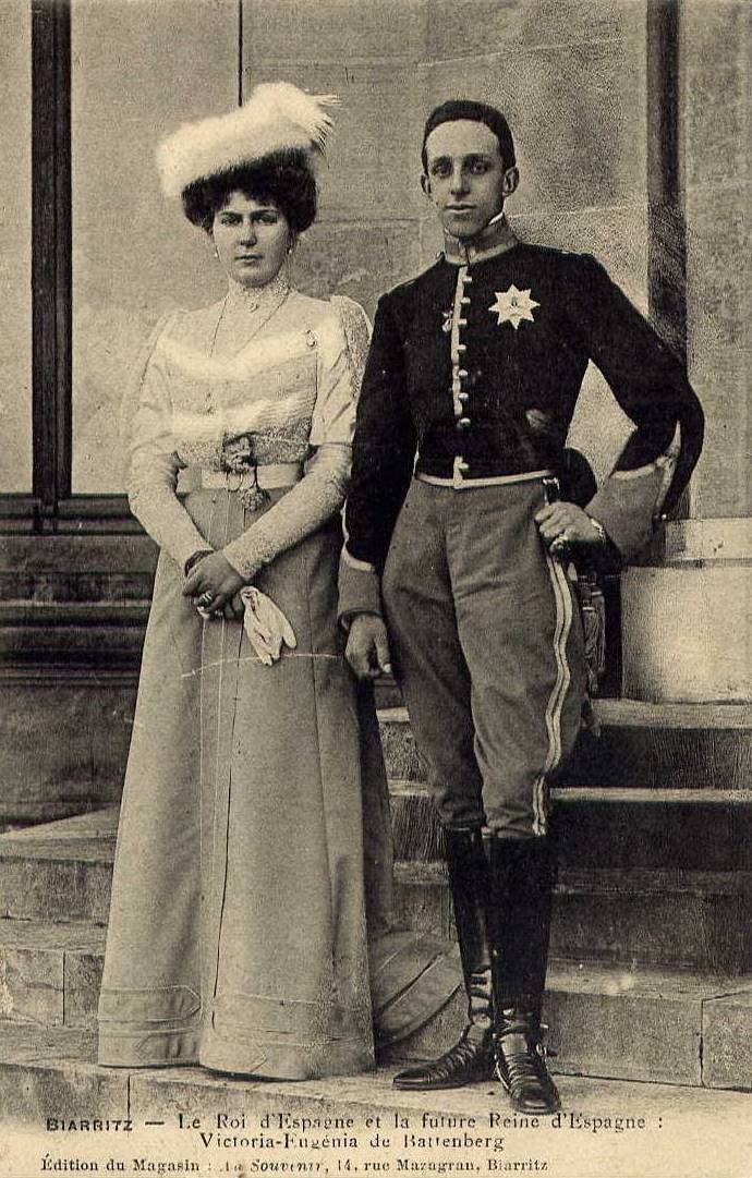thefirstwaltz:   The King and Queen of Spain.    King Alfonso XIII and Princess Ena of Battenberg in Biarritz, France.