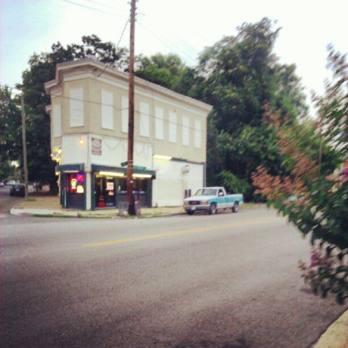 thieveryy:  #churchhill #rva (Taken with Instagram)  I call this place 'Hamburger', although it could be called 'Shrimp' as well.