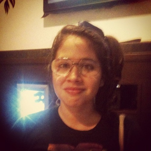 White and nerdy #sister #instagram #glasses #girl #nerd  (Tomada con Instagram)