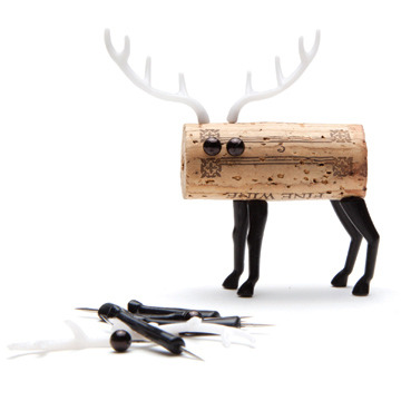 What's better than a cork? - A cork AND a deer… COMBINED!  Brilliant!  Check out these fun party favors by Reddish Studio.