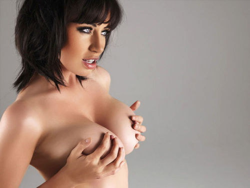 givingmeabonertoday:  Who is giving me a boner today? Sophie Howard.