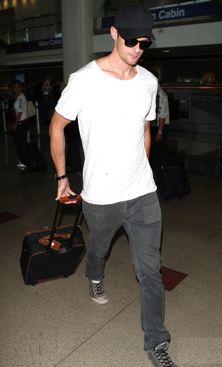 Alexander Skarsgard at LAX (June 12, 2012). *Original courtesy of Just Jared
