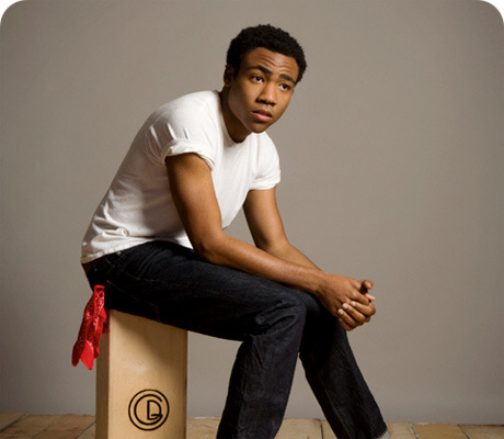 fruitviking:  Donald Glover flags as a fister [1]  actually as fistee, even more impressive!