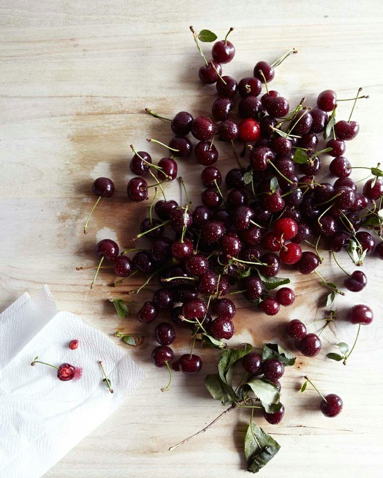 squaremeal:  (via Food Styling & Photography / cherries | hungry ghost food travel)