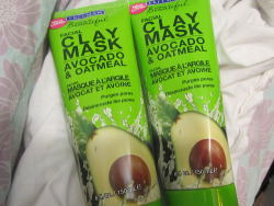 blushingxx:  I've used this and it makes my face feel amazinggg.