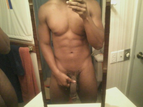 Mmmm look at that body and his dick is huge. So yummy.