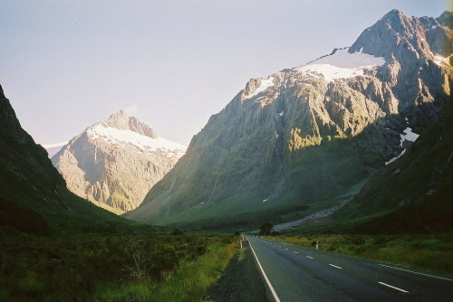 your-english-is-good:  the road in (by jorgazmo)