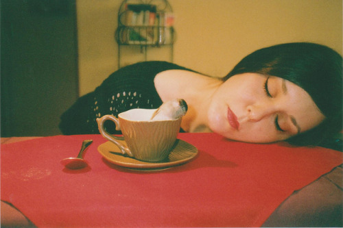thetroublehunter:  Tea Time by SoWiL(d) on Flickr.
