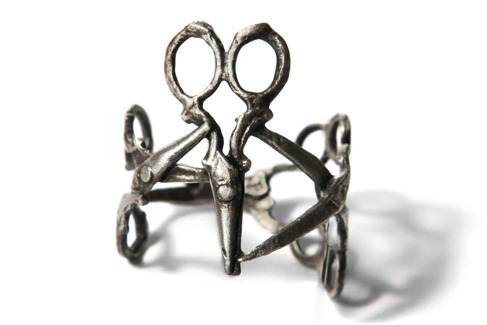 What I want right now: this semi-abstract scissors ring by Tirana Jewelry.
