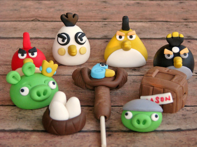 Angry Birds Toppers by Lynlee's Petite Cakes on Flickr.