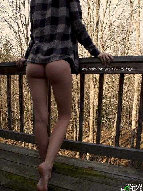 countryboystuckinjersey:  ughhh, that country ass -____- i cant help maselffff!