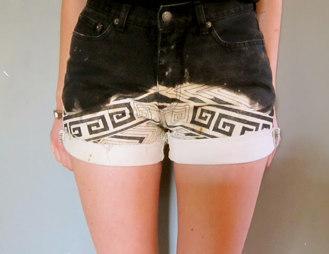 tiffbytiffany:  o-m-g i love these SHORTS!!!!