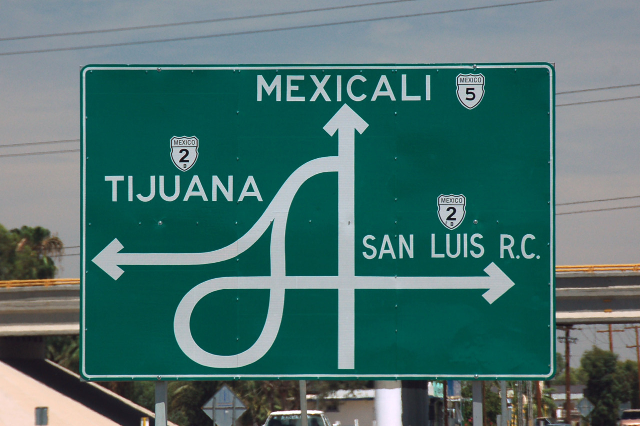 uunknown-pleasuress:   My Home Mexicali & Breannas Home Tijuana