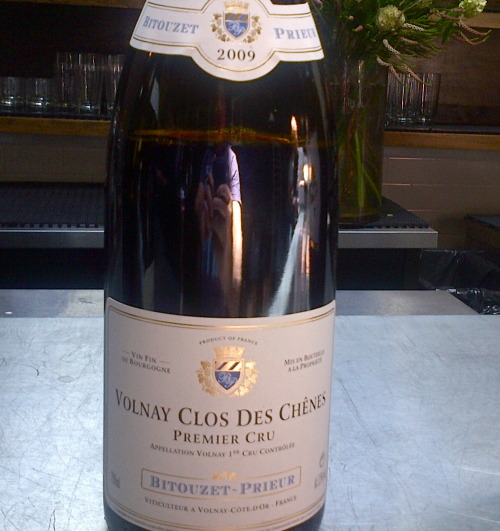 2009 Bitouzet-Prieur Volnay Clos de Chènes. Terrific masculine style, textbook Chènes. Needs time. If it were Chambolle, more Bonnes-Mares than Amoureuses.