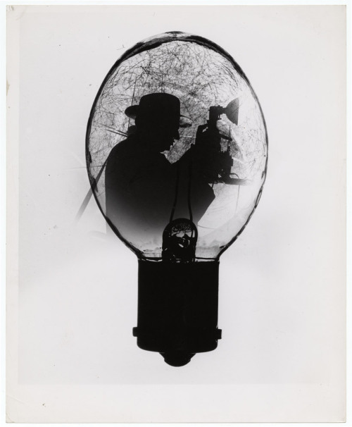 chagalov:  Weegee (aka Arthur Fellig), Weegee in a flashbulb, ca.1953  [+] burnedshoes:  © Weegee (aka Arthur Fellig), ca.1953, Weegee in a flashbulb Weegee used photomontage to brand movie stars with Cadillac logos or confine portraits to a flashbulb, perfume bottle or liquor bottle silhouette. After a decade of taking truthful, often harrowing images for newspapers in New York, Weegee eagerly delved into a more playful, satirical side of photography. (read more) » find more photomontage art here «