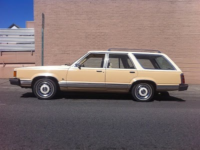 (via Old Parked Cars.: 1982 Ford Granada GL Wagon.)